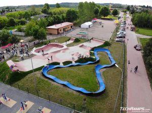 Betonowy skatepark i modułowy pumptrack w Sławnie