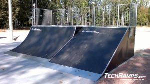 Dąbrowa górnicza Skatepark Bank Ramp Piramida + Quarter Pipe