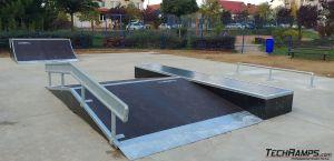 Funbox + disaster rail + grindbox