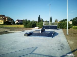 Funbox with rail 3/1 and grindbox
