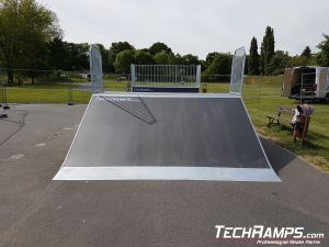 modular wooden bank ramp