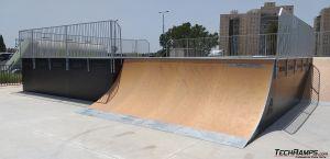 Quarter Ramp i Bowl - skatepark Ramla