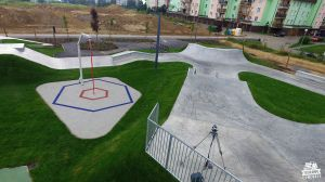 Skatepark betonowy w Świeciu