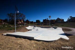 Skatepark concrete - Maniowy