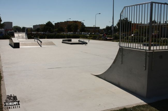 Skatepark Slupca - more equipments