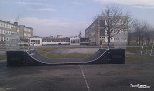 skatepark w białej