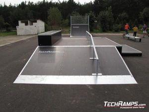 Skatepark w Białobrzegach funbox z grindboxem