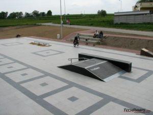 Skatepark w Bieruniu funbox