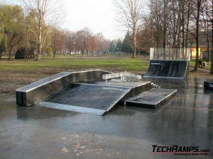 Skatepark w Brzeszczach - 12 Plac Betonowy