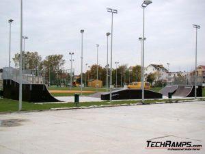 Skatepark w Dźwirzynie - 1