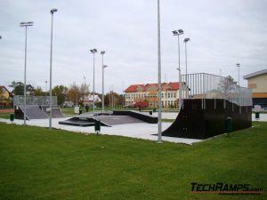 Skatepark w Dźwirzynie - 9