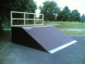 Skatepark w Markach 10