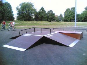 Skatepark w Markach 9