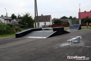 Skatepark w Michałowie Funbox z grindboxem