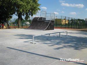 Skatepark w Pawłowie poręcz