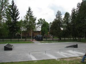 Skatepark w Tłuszczu 1