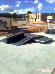 Skatepark_Alcover_ funbox z grindboxem