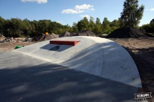 Skatepark_Betonowy_w_Trzebieży