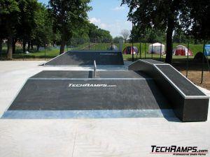 Skateprk - Jawor - funbox z grindboxem i poręczą - 8