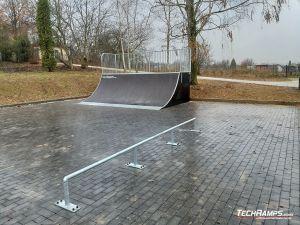 Straight rail and quarter pipe Skatepark Szczebrzeszyn